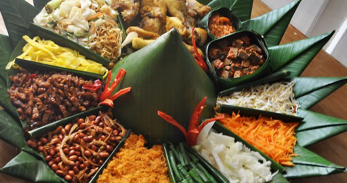 Catering Tumpeng Family